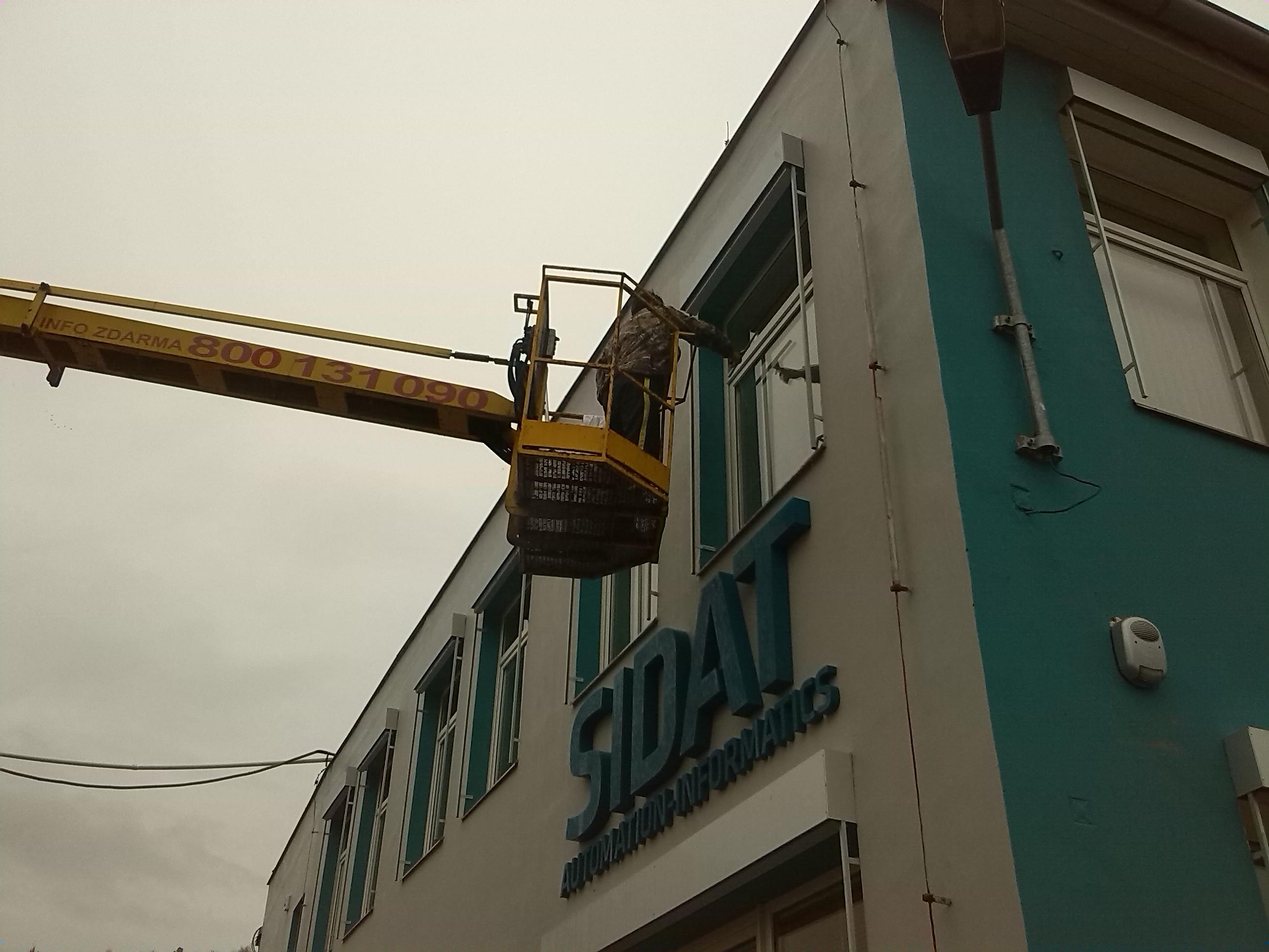 Výškové práce z montážní plošiny Praha