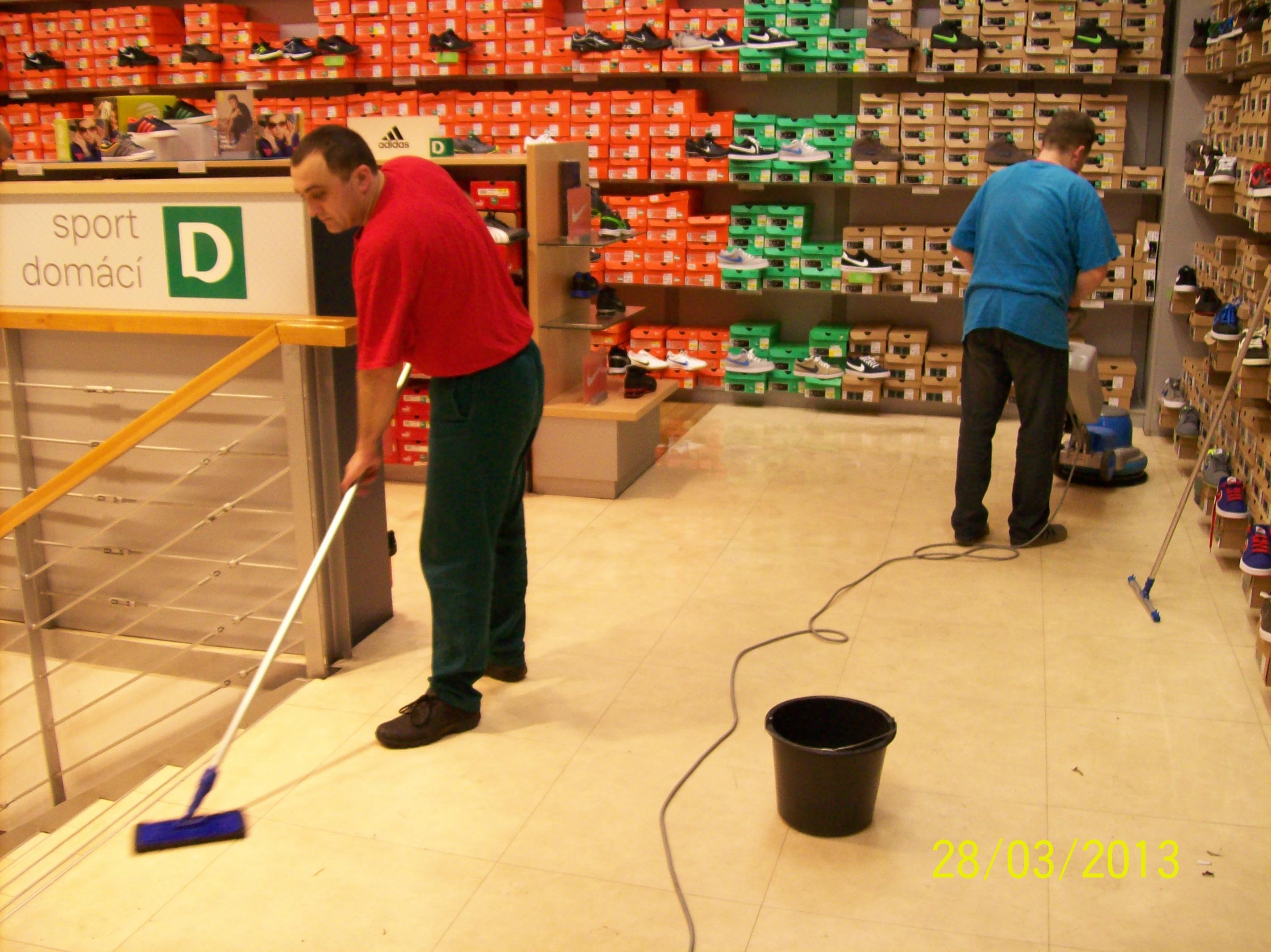 Chem. čištění koberců, voskování podlah Brno