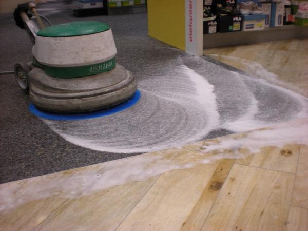 Strojové čištění a tepování koberců Brno