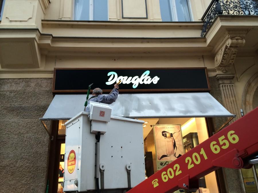 Čištění látkových markýz Brno