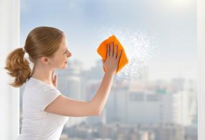Mytí skleněných výtahů