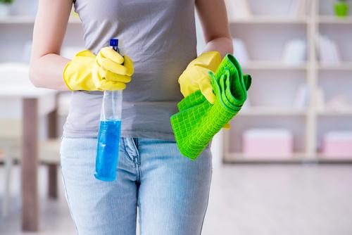 Kvalitní umytí a vyčištění oken vyžaduje speciální přístup. Mytí oken ve výškách. Výškové práce Brno