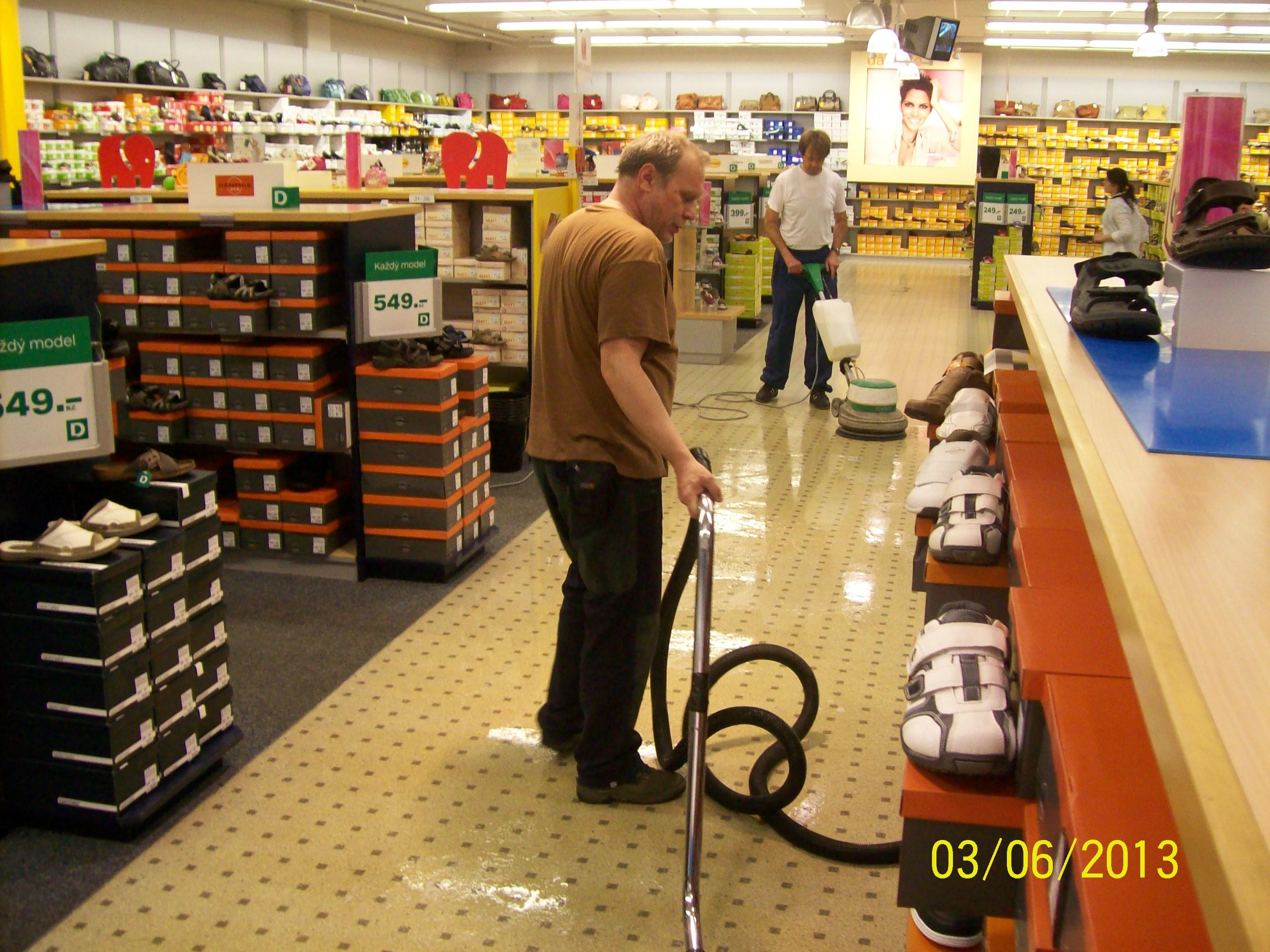 Čištění koberců, voskování podlah Zlín