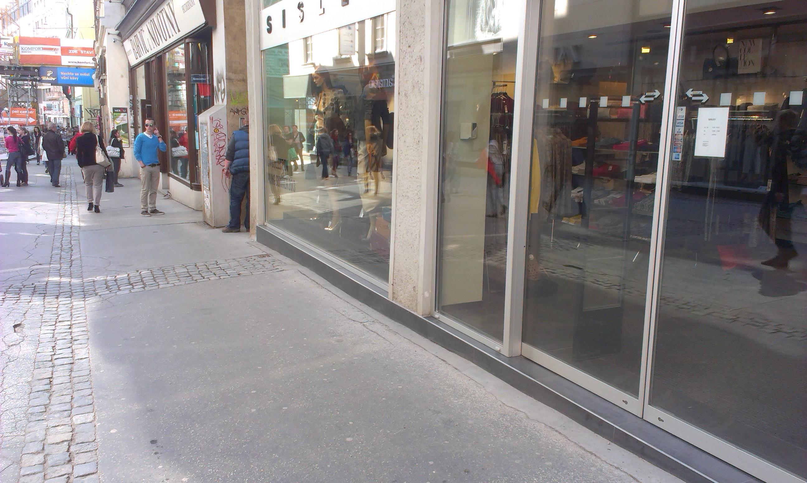 Čištění, impregnace markýz, oken Brno