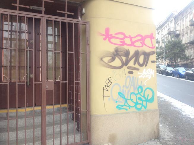Čištění, pískování fasád, odstranění graffiti