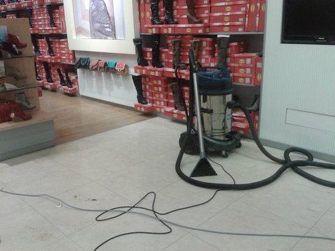 Strojové čištění, voskování podlah Praha 9