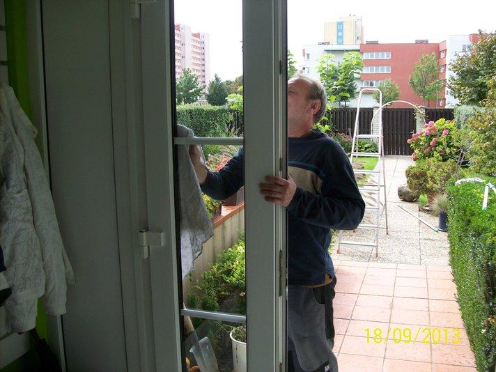 Mytí a čištění oken rodinného domu