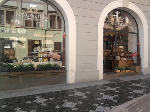Kval. čištění fasád, mytí výloh, oken Praha 7