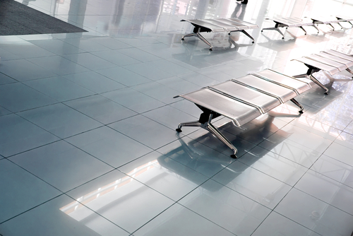 """Strojové čištění podlah si poradí i se zaschlým vlasovým kondicionérem. """"Strojové mytí podlah Liberec"""""""